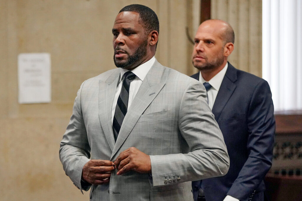 """PUT IT BACK IN THE CLOSET?: R. Kelly's Lawyers Want to Keep Teenage Boy Allegations Out of Trial in Fear That the Jury Could Be """"Homophobic"""""""